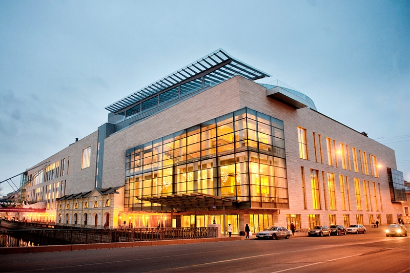 new-stage-of-the-mariinsky-theater.jpg
