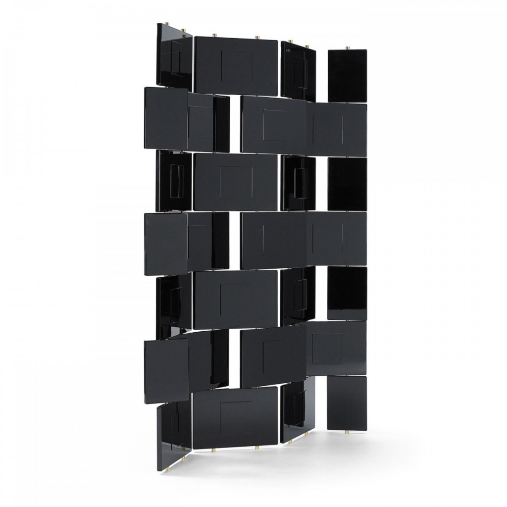 Eileen-Gray-Brick-Screen.jpg